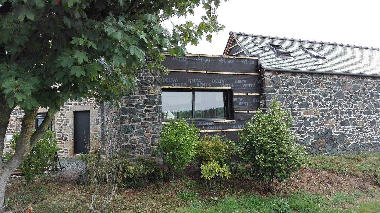Extension en bois d''une maison d''habitation en pierre - Pléboulle 1432440111060932361241076321311130590286641o